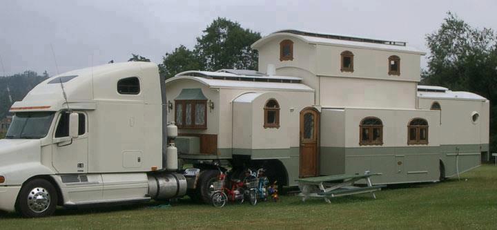 trouvailles k taines dans l 39 automobile 11 15 suv 4x4 ou mini vans k taines. Black Bedroom Furniture Sets. Home Design Ideas